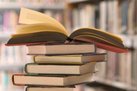 """В """"Батькивщине"""" говорят, что в Минобразования завысили цены на учебники"""